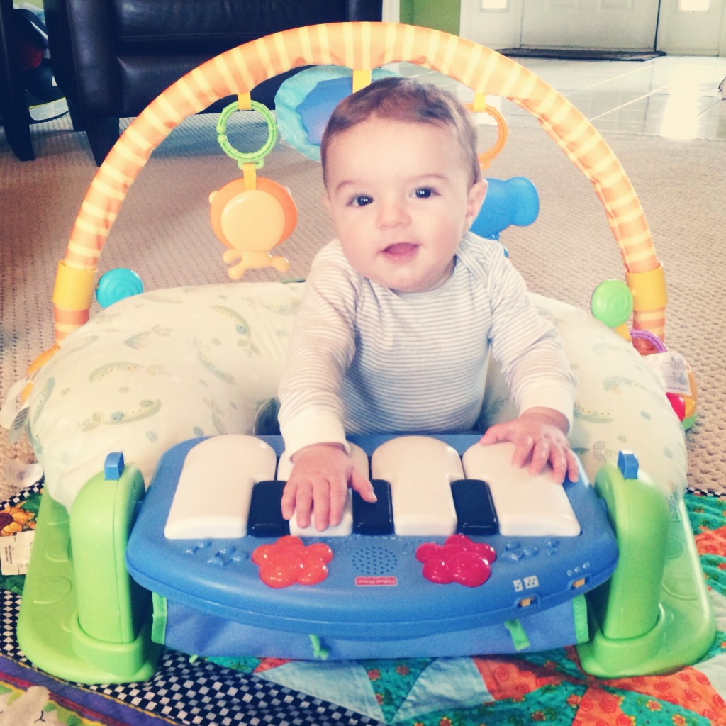 {Mama Moment} Pianist in the Making