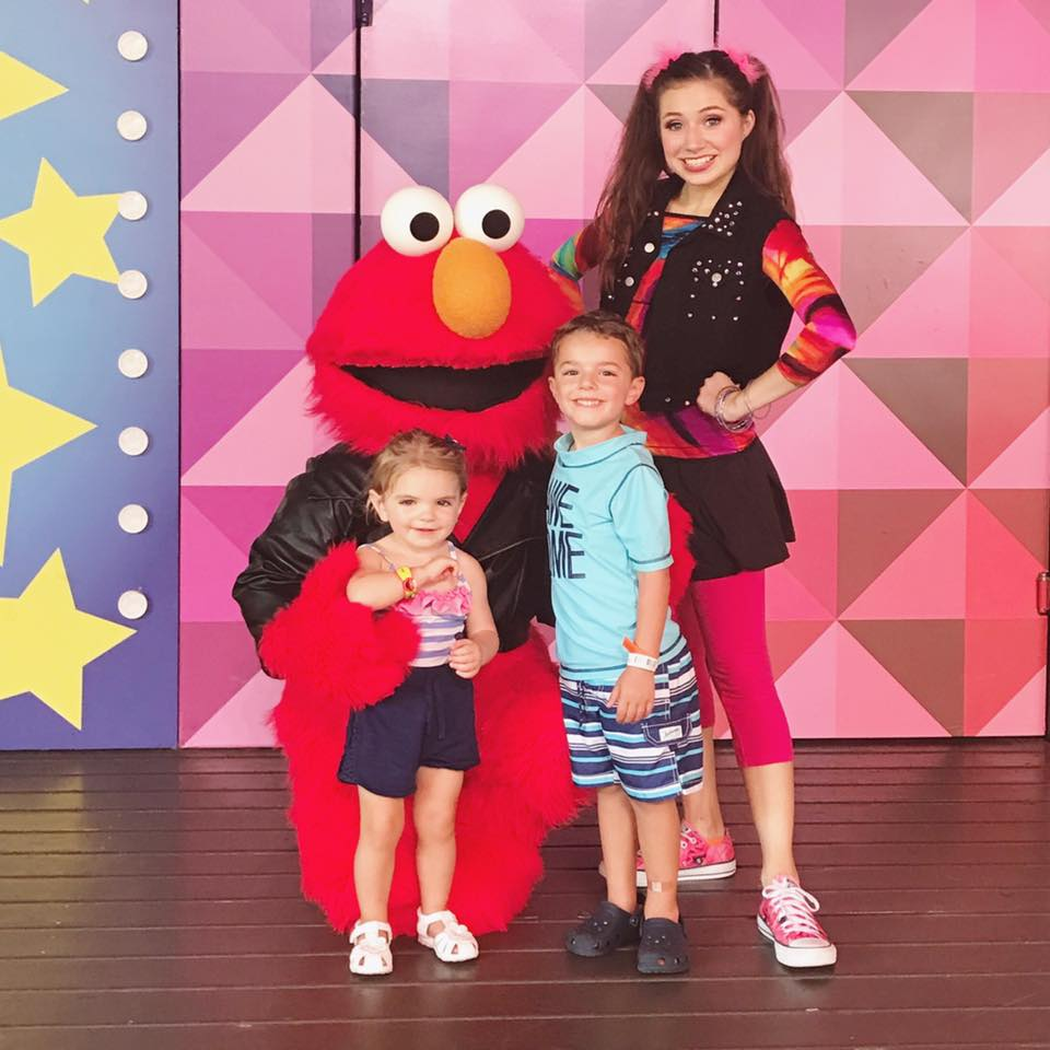 Kids with Elmo at Busch Gardens