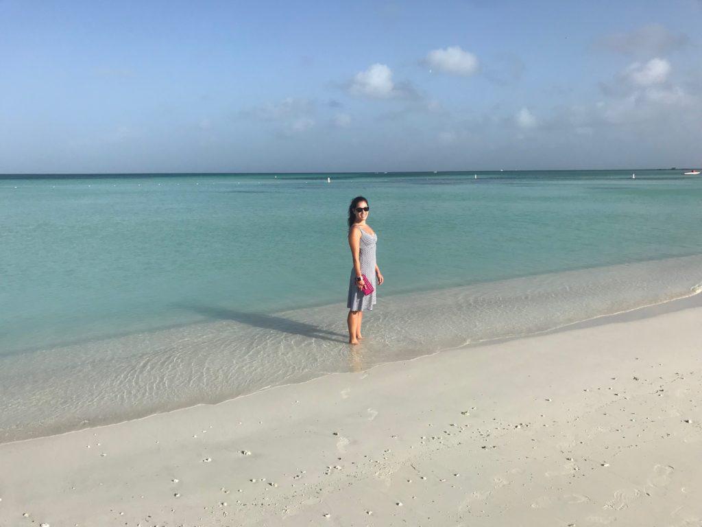 A 10th Anniversary Surprise: Vacation in Aruba | Rachel Rambach