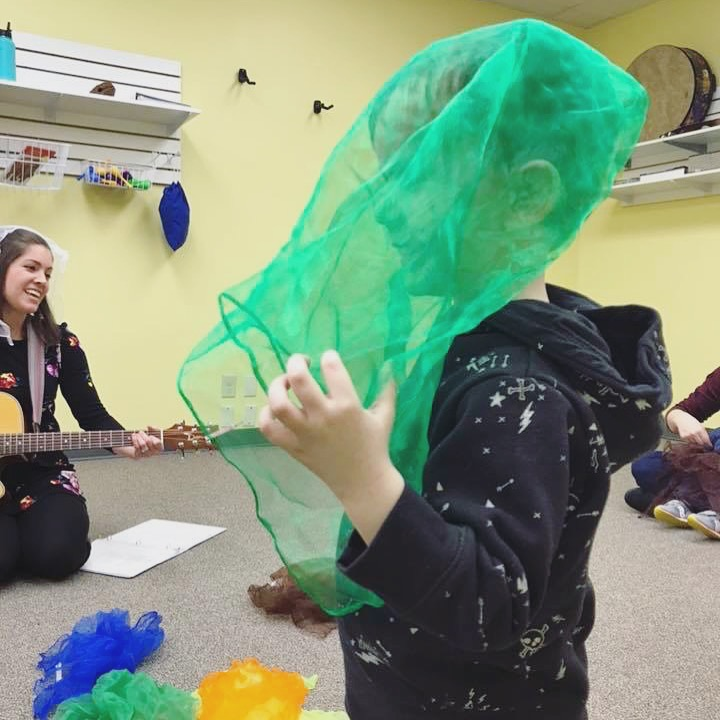 Scarves in Music Therapy   Listen & Learn Music